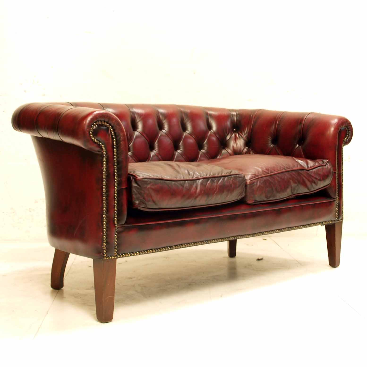 chesterfield 2er sofa m bel z rich vintagem bel. Black Bedroom Furniture Sets. Home Design Ideas