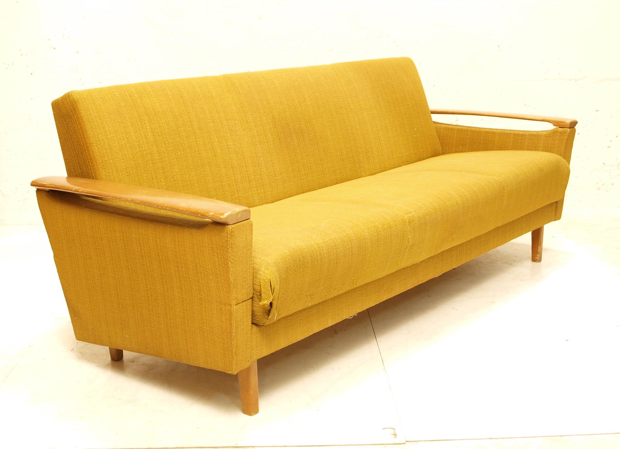 bettsofa senf gelb m bel z rich vintagem bel. Black Bedroom Furniture Sets. Home Design Ideas