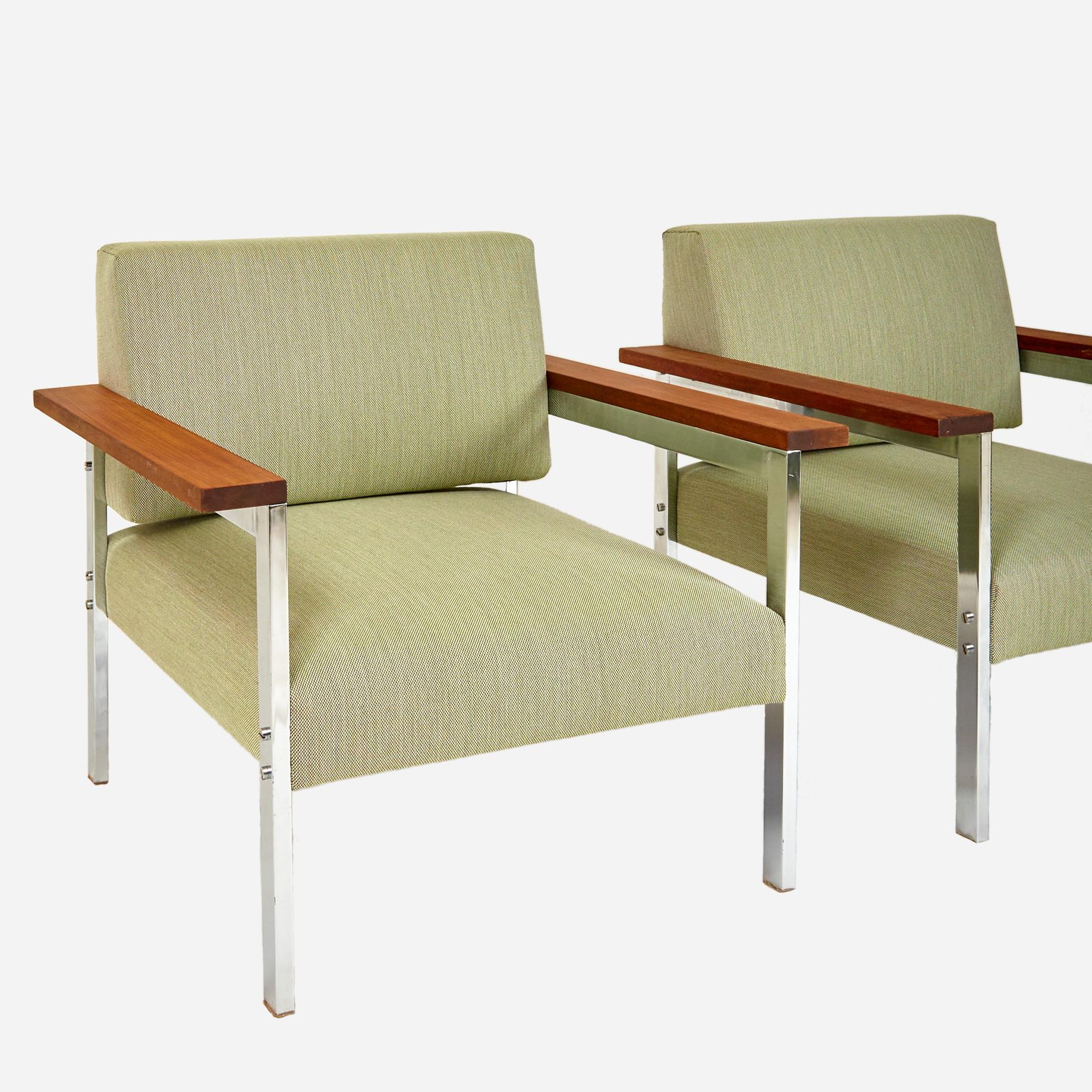zwei sessel mit holzarmlehne 1960er jahre neu bezogen m bel z rich vintagem bel. Black Bedroom Furniture Sets. Home Design Ideas