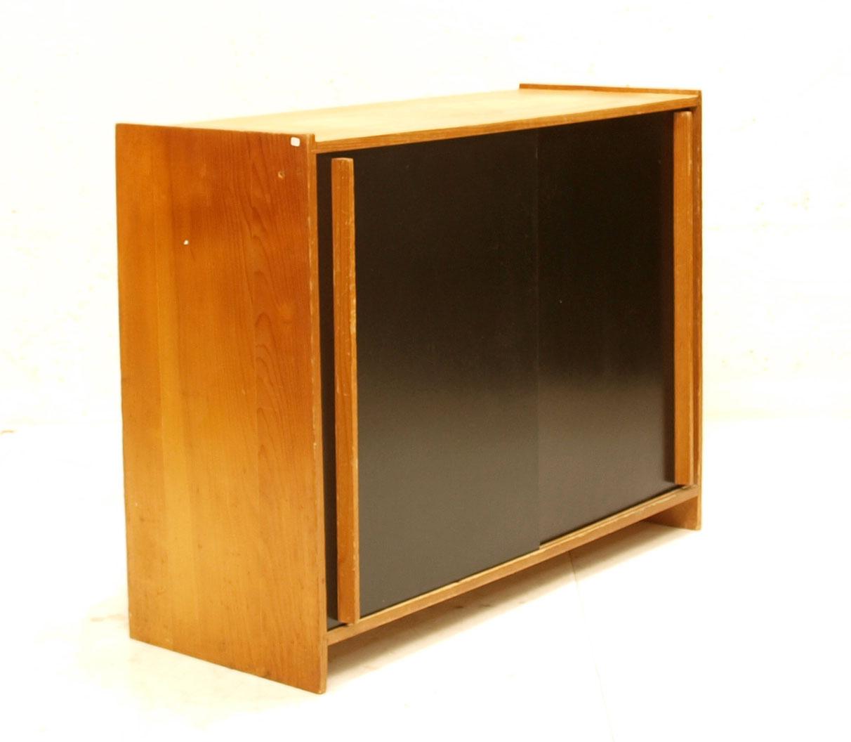 schiebeschrank holz t ren schwarz m bel z rich vintagem bel. Black Bedroom Furniture Sets. Home Design Ideas