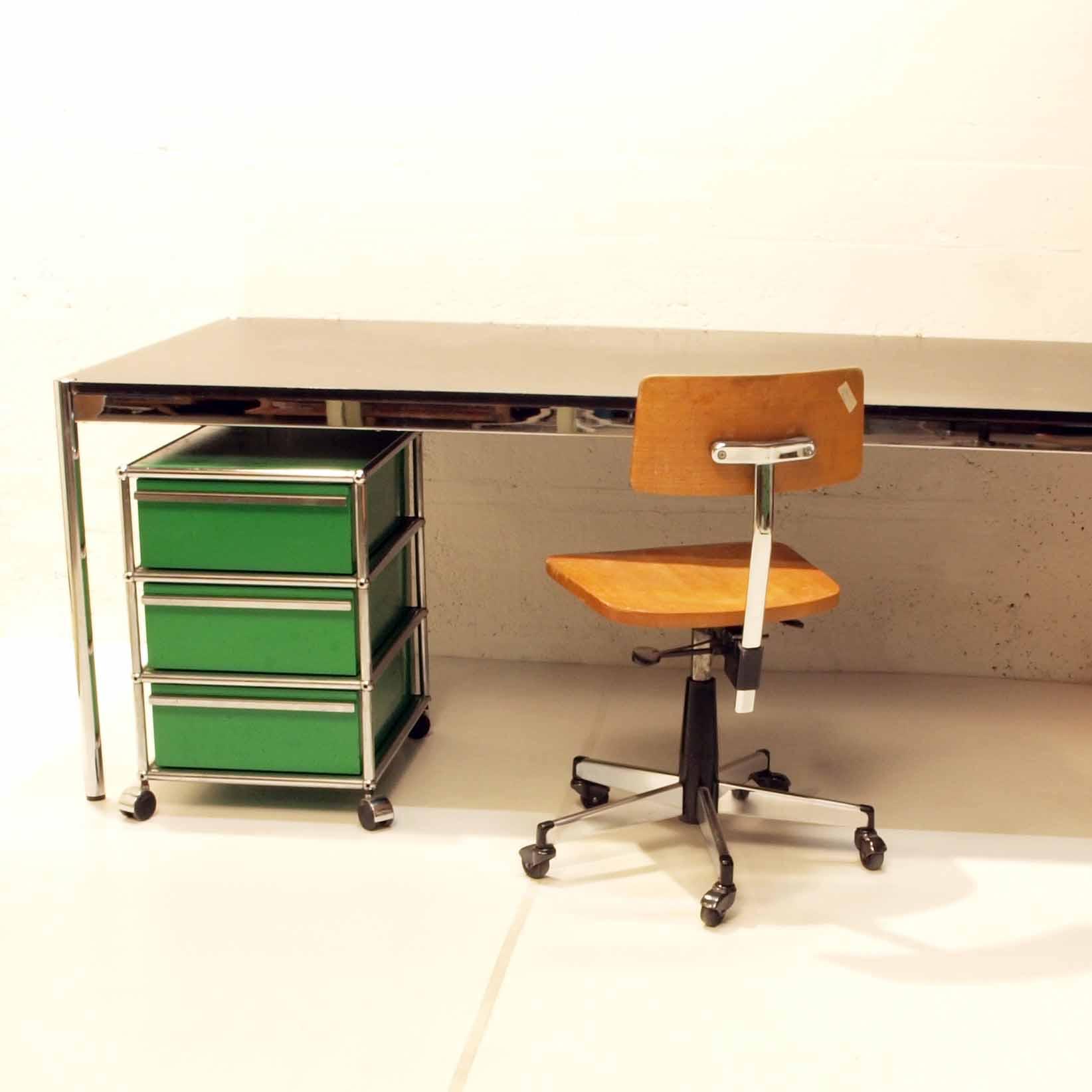 usm korpus gr n m bel z rich vintagem bel. Black Bedroom Furniture Sets. Home Design Ideas