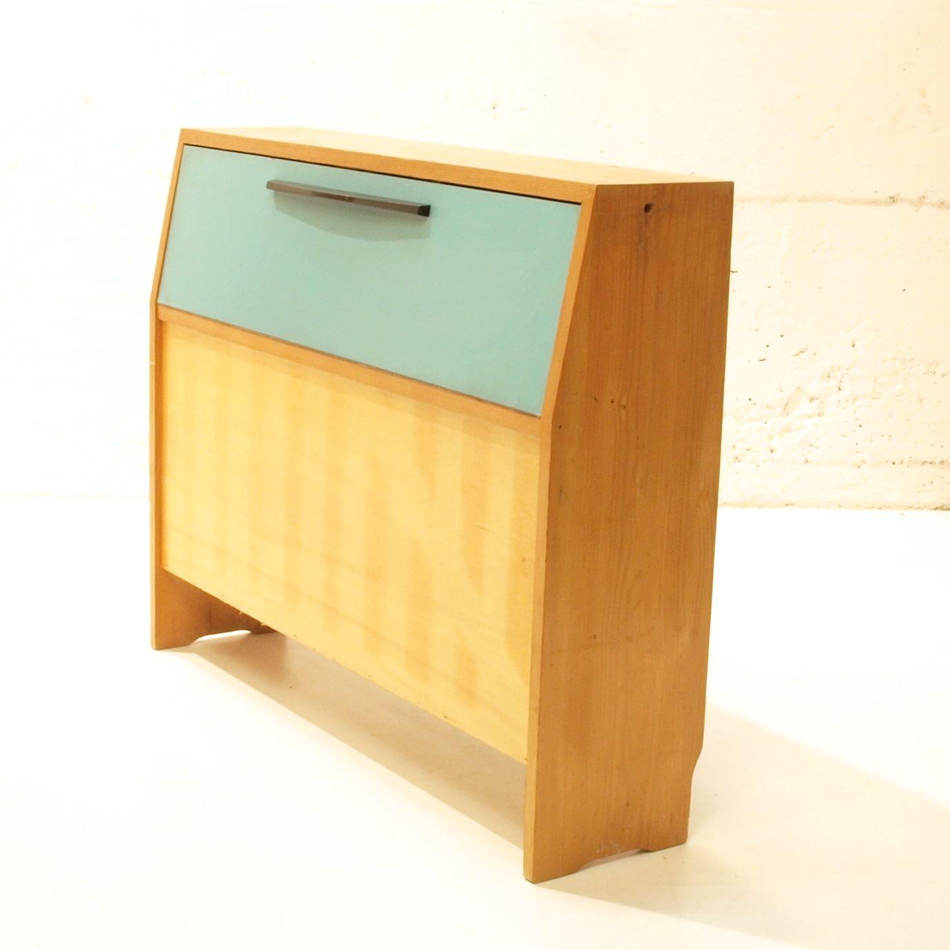 pet dosen altglas m bel mit unterteilung m bel. Black Bedroom Furniture Sets. Home Design Ideas