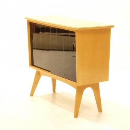 schiebeschrank mit schwarzen glas schiebet ren m bel z rich vintagem bel. Black Bedroom Furniture Sets. Home Design Ideas