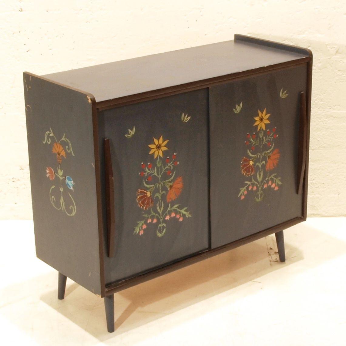 schiebeschrank mit bauernmalerei m bel z rich vintagem bel. Black Bedroom Furniture Sets. Home Design Ideas