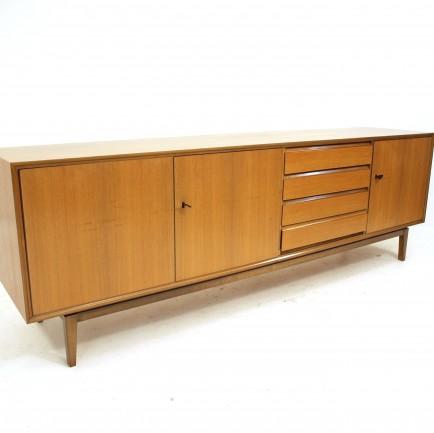 langes sideboard m bel z rich vintagem bel. Black Bedroom Furniture Sets. Home Design Ideas