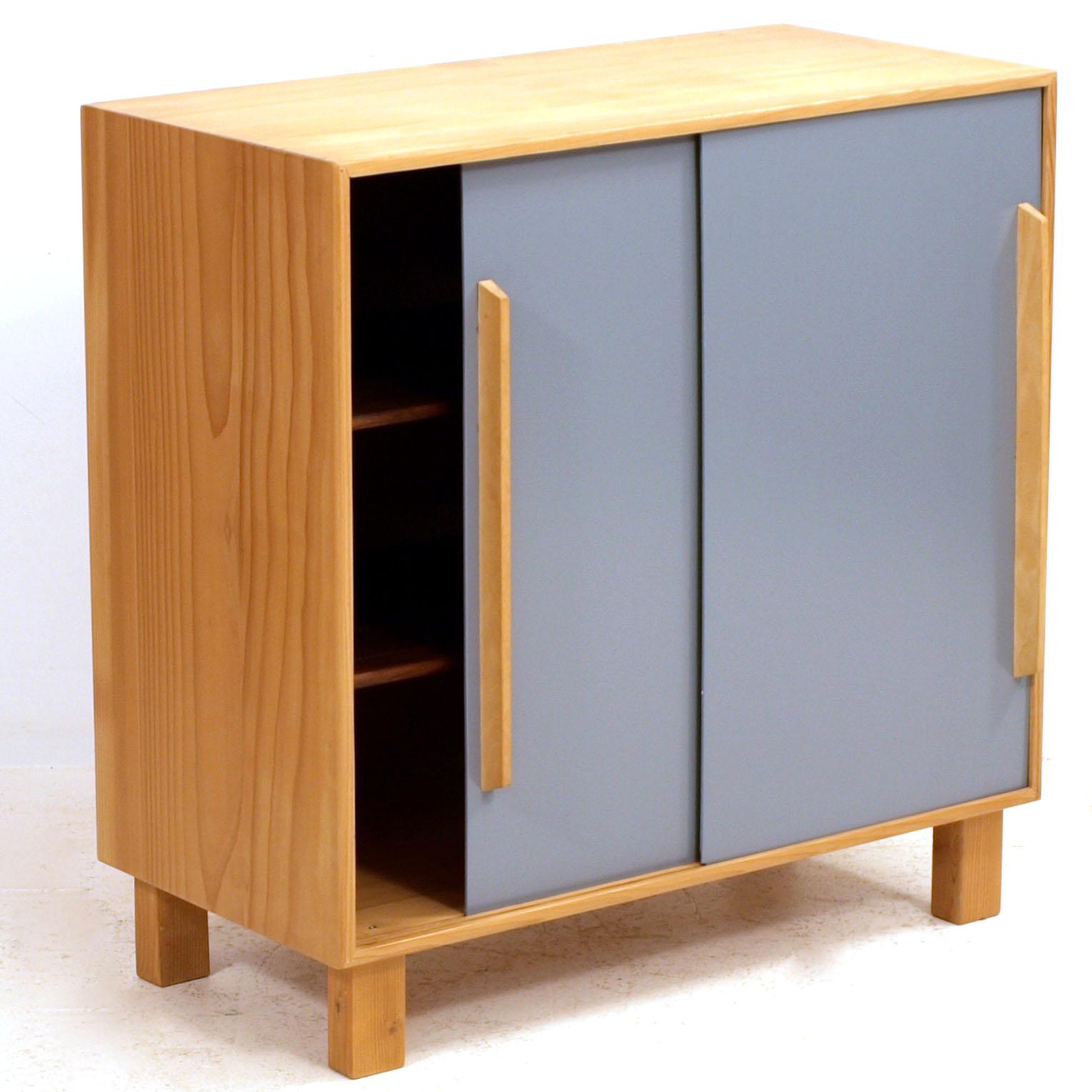 schiebeschrank geschliffen und lackiert m bel z rich vintagem bel. Black Bedroom Furniture Sets. Home Design Ideas