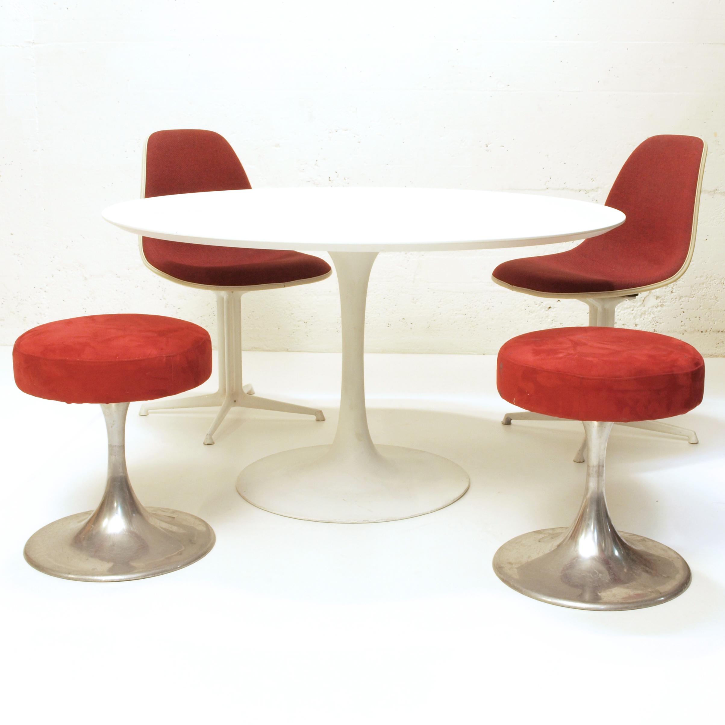 Weisser tisch mit dunkler platte salesfever essgruppe for Weisser tisch mit dunkler platte