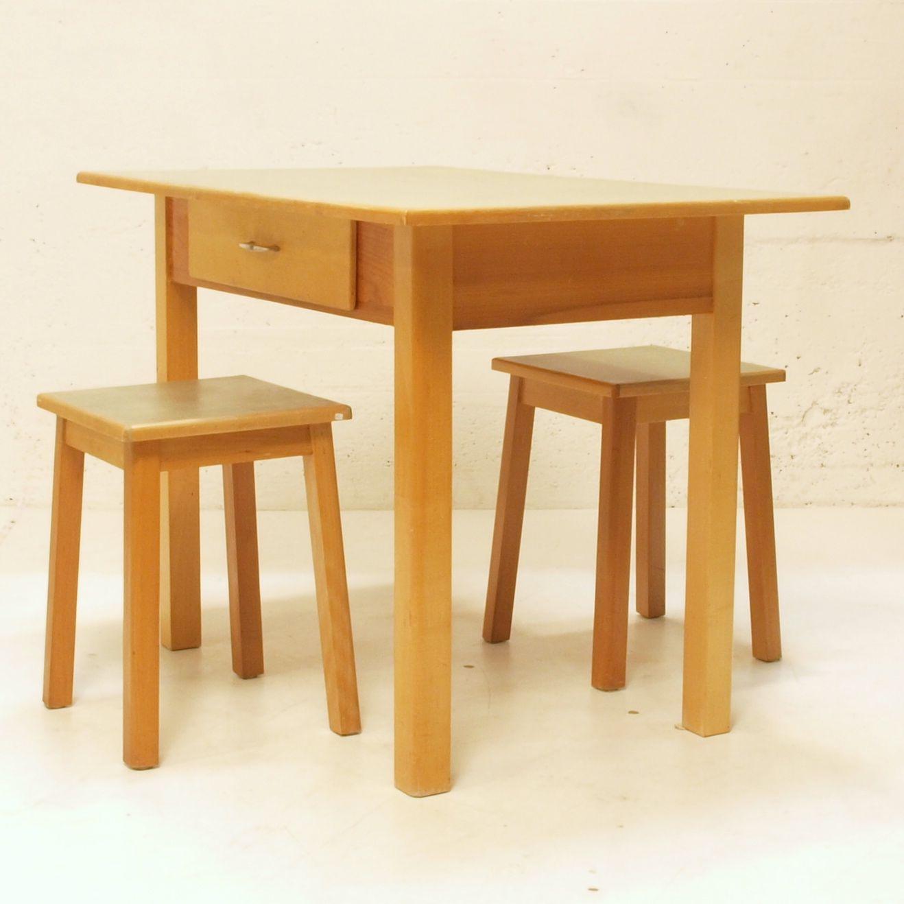 Küchentisch Holz: Küchentisch Holz Mit Lino Oberfläche