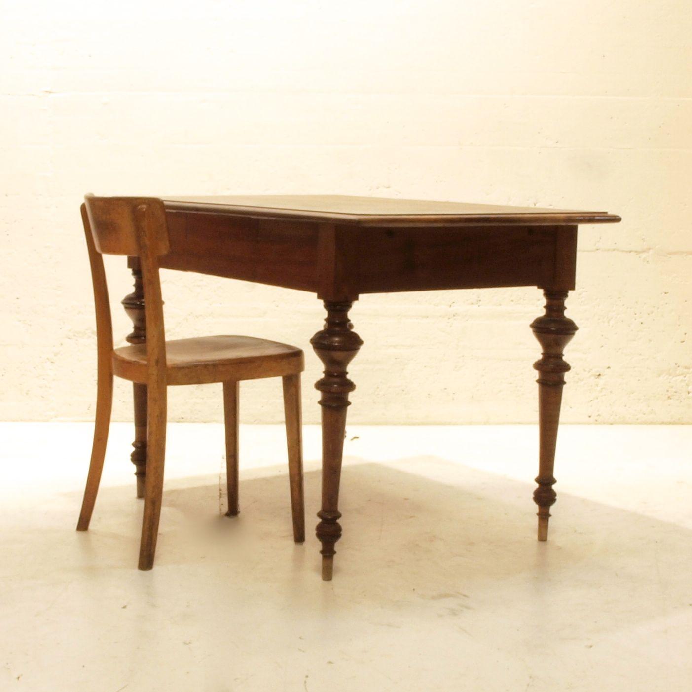 nussbaumtisch mit schublade m bel z rich vintagem bel. Black Bedroom Furniture Sets. Home Design Ideas