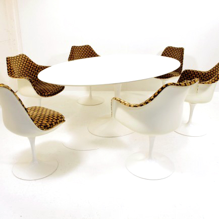 eero saarinen tisch oval knoll international m bel z rich vintagem bel. Black Bedroom Furniture Sets. Home Design Ideas