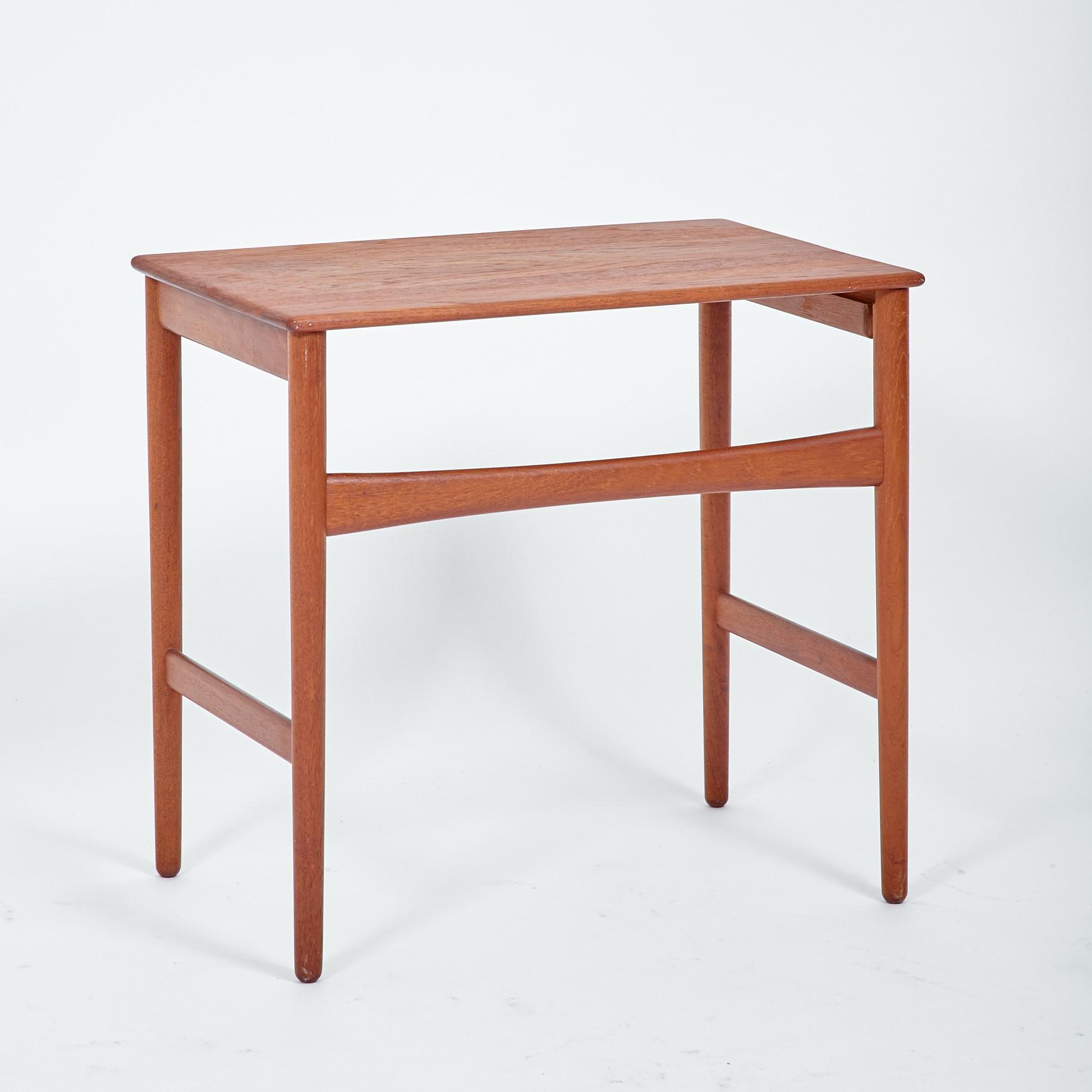 beistelltisch aus teakholz geschliffen und ge lt m bel z rich vintagem bel. Black Bedroom Furniture Sets. Home Design Ideas