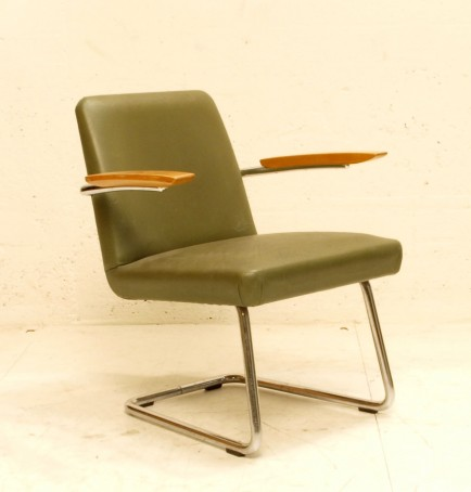 freischwinger stuhl olivgr nes kunstleder armlehne holz. Black Bedroom Furniture Sets. Home Design Ideas