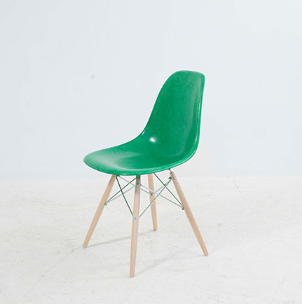 eames side chair fiberglas stuhlbeine nach wahl m bel z rich vintagem bel. Black Bedroom Furniture Sets. Home Design Ideas