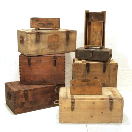 diverse Holzkisten  Möbel Zürich  Vintagemöbel