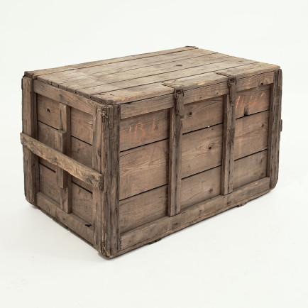 rustikale holzkiste m bel z rich vintagem bel. Black Bedroom Furniture Sets. Home Design Ideas
