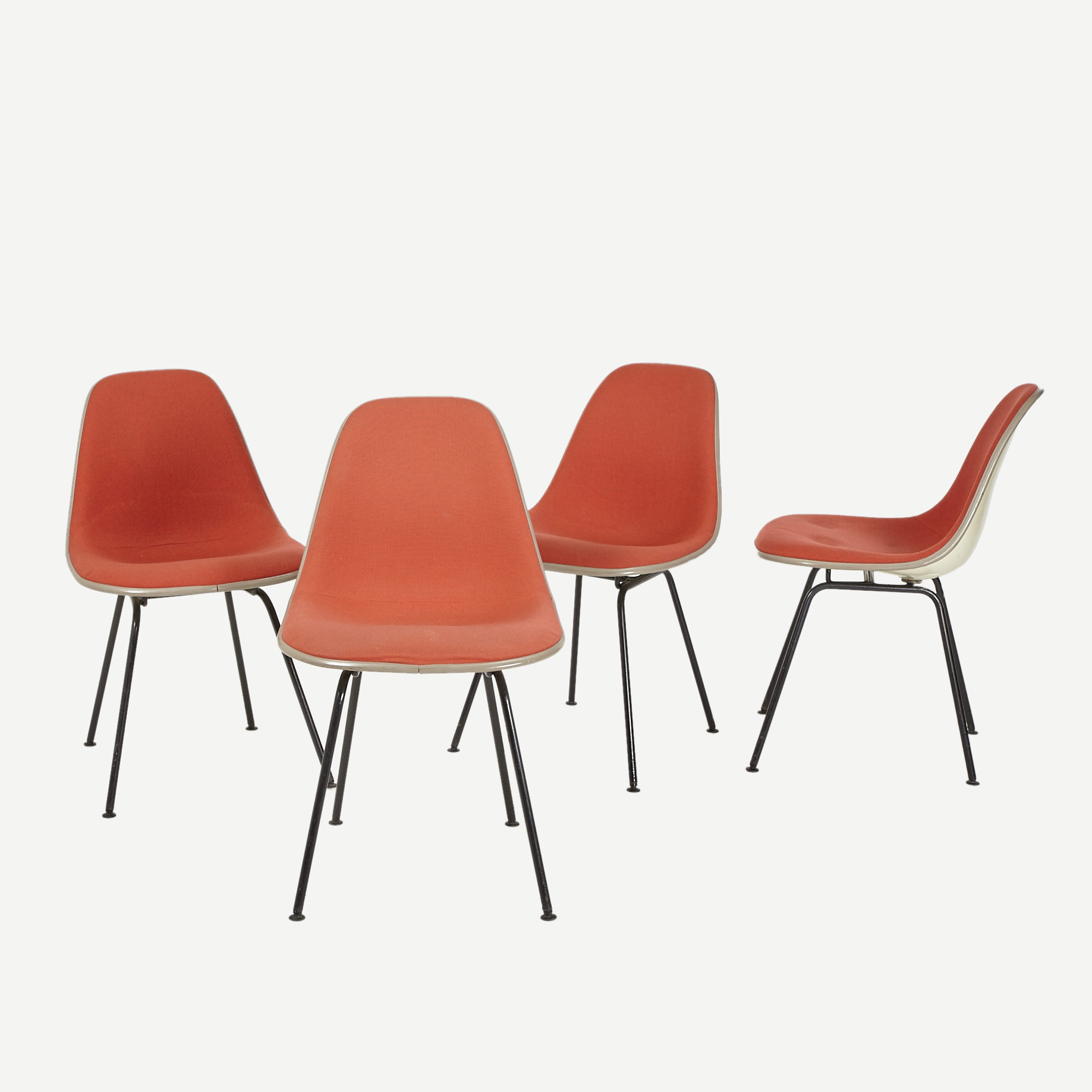 eames side chair fiberglas mit stoffbezug m bel z rich. Black Bedroom Furniture Sets. Home Design Ideas