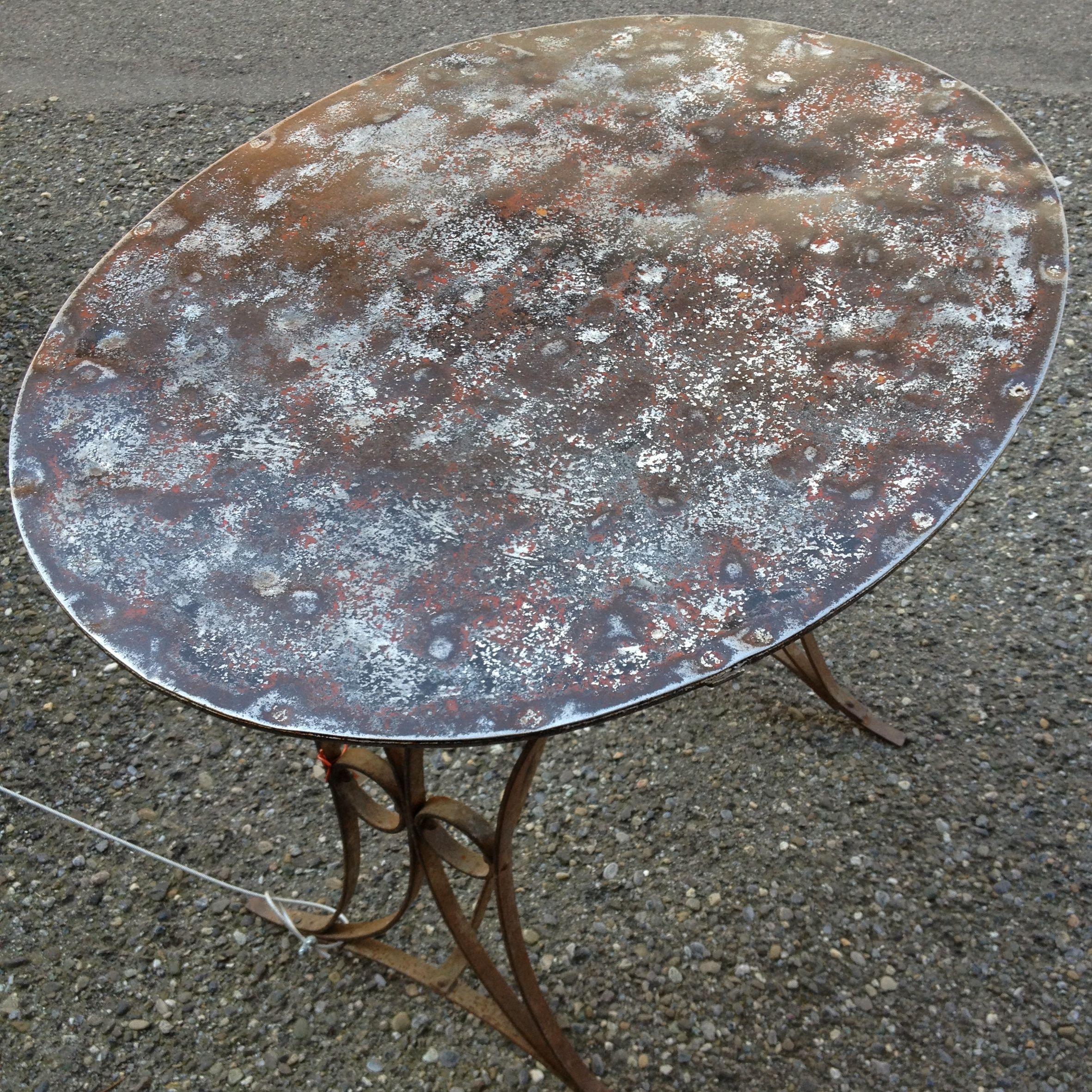 Sehr Schoner Ovaler Antiker Gartentisch Mit Patina Mobel Zurich