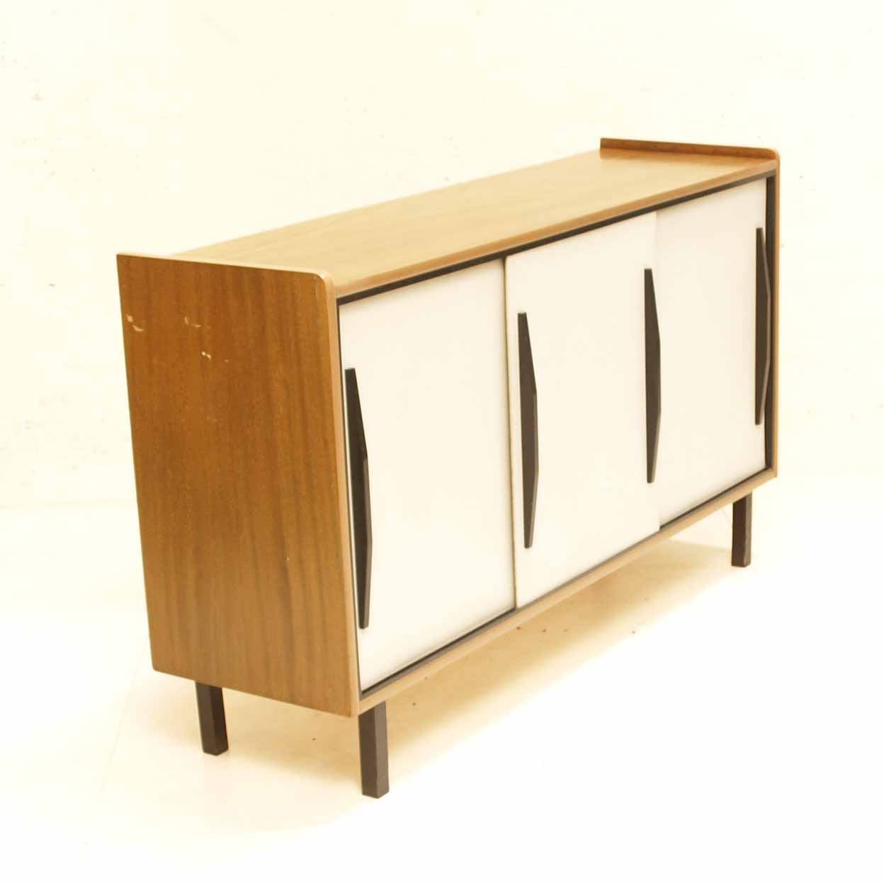 50s sideboard mit weissen schiebet ren m bel z rich. Black Bedroom Furniture Sets. Home Design Ideas