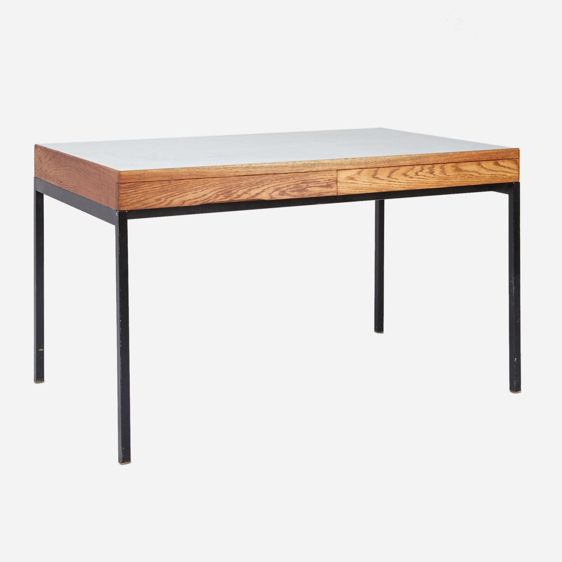 schreibtisch mit metallgestell geschliffen und ge lt m bel z rich vintagem bel. Black Bedroom Furniture Sets. Home Design Ideas