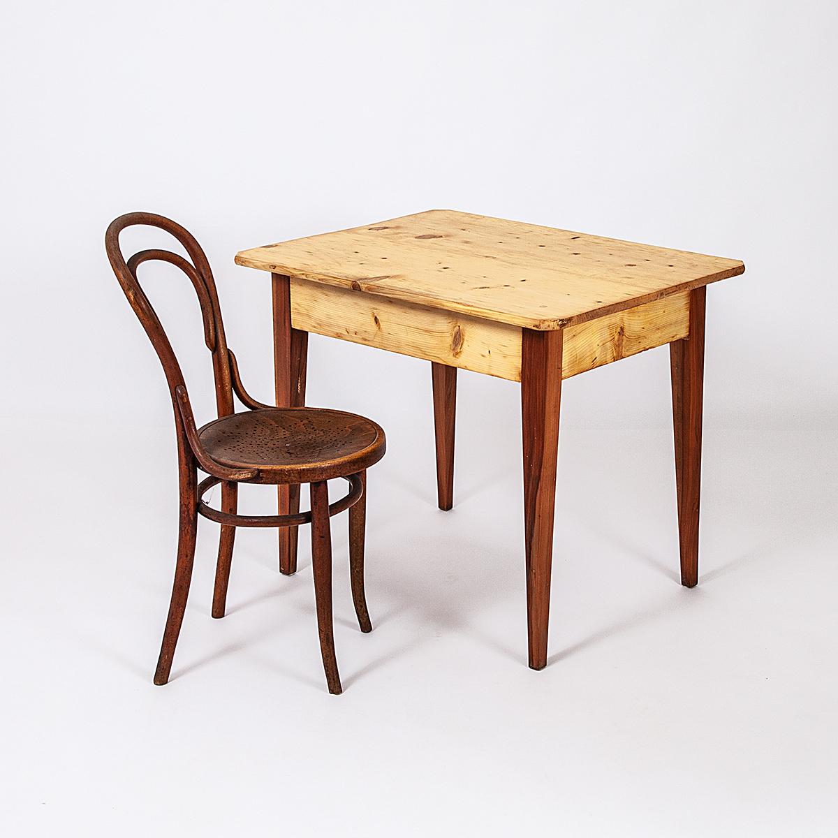 kleiner tisch mit schublade | möbel zürich | vintagemöbel