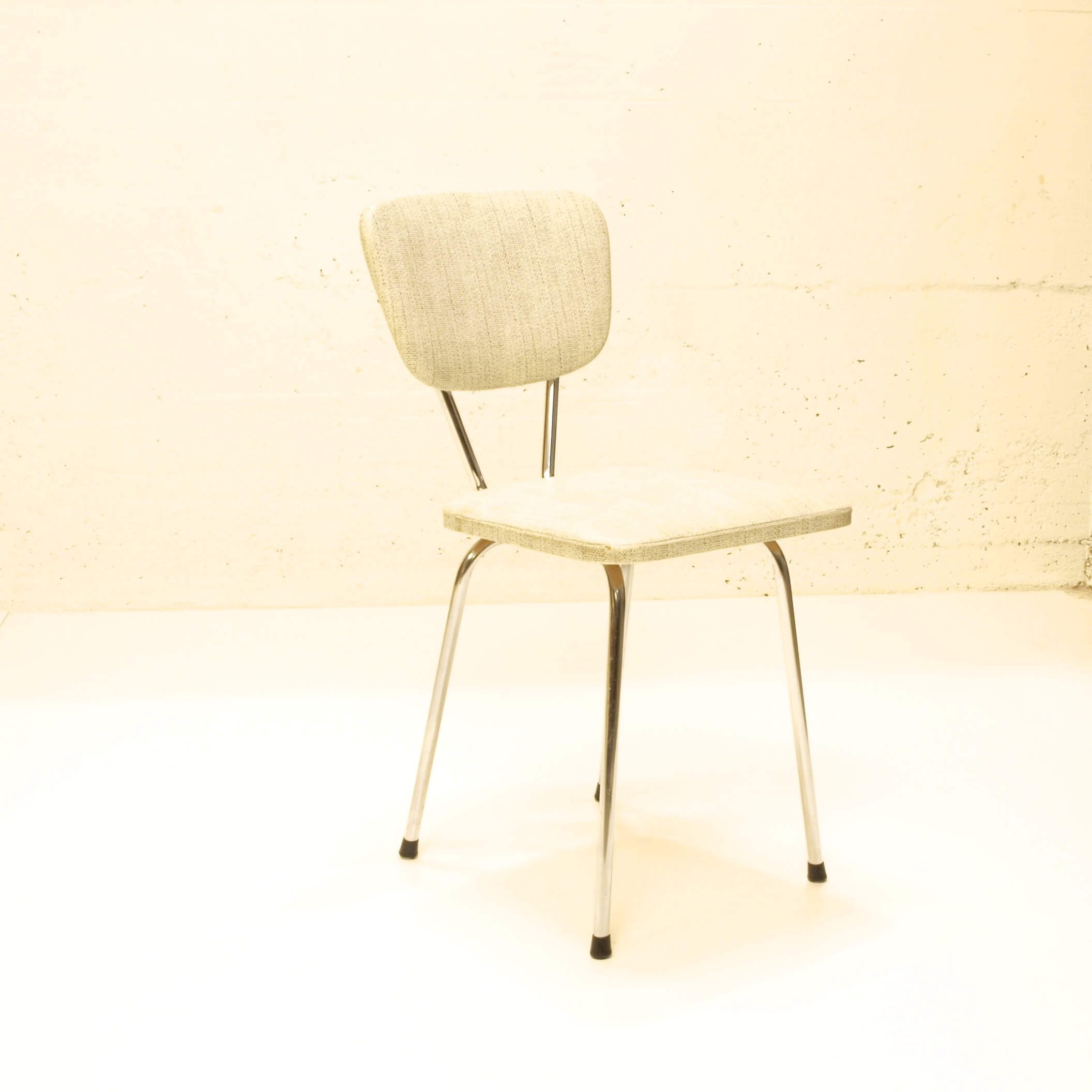 k chenstuhl gepolstert weiss grau meliert 2 stk m bel. Black Bedroom Furniture Sets. Home Design Ideas