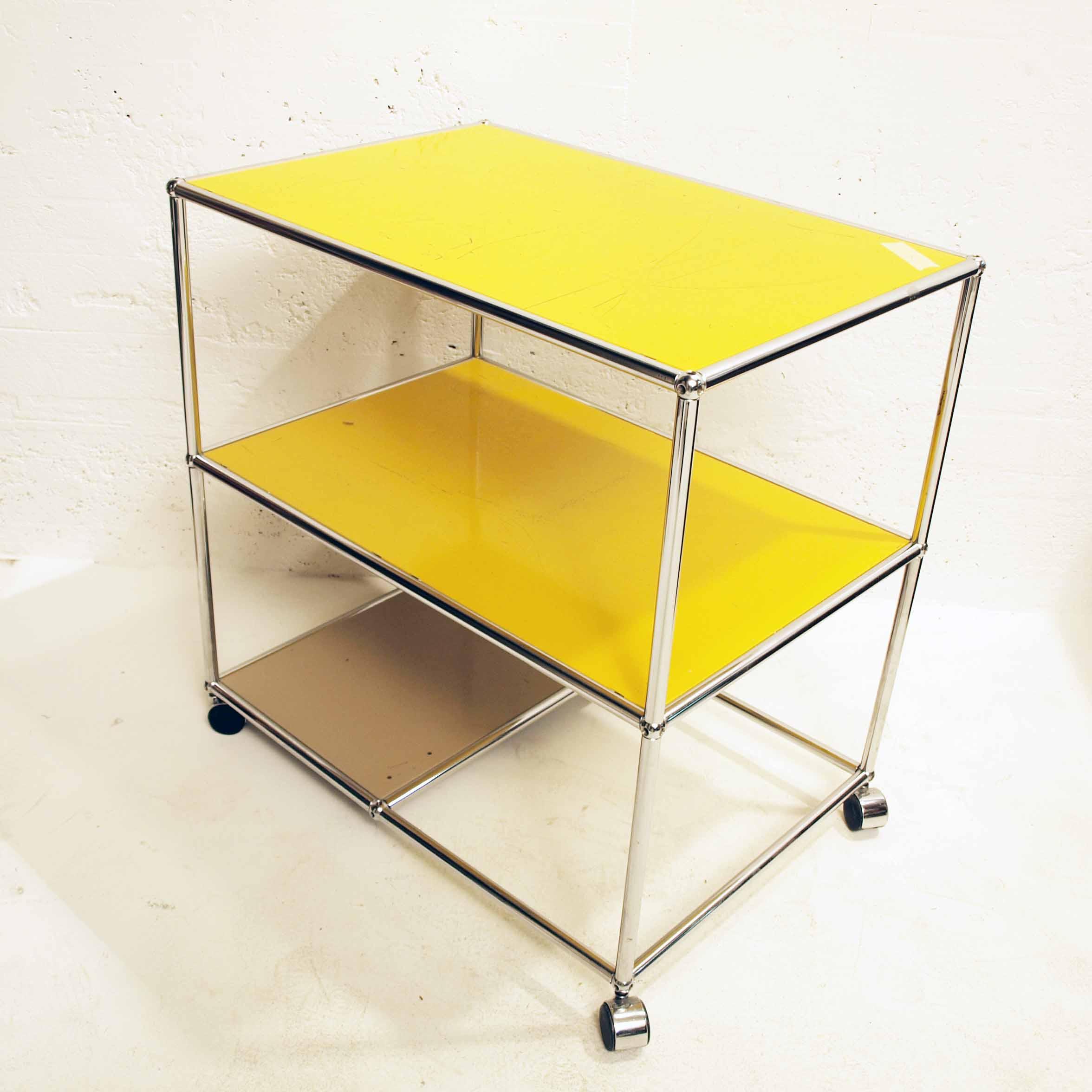 usm arbeitstisch gelb m bel z rich vintagem bel. Black Bedroom Furniture Sets. Home Design Ideas