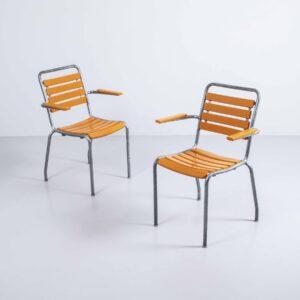 Bigla Gartenstuhl mit Armlehne orange, neu lackiert Gartenmöbel