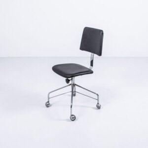 Bürostuhl auf Rollen, neu bezogen Büromöbel