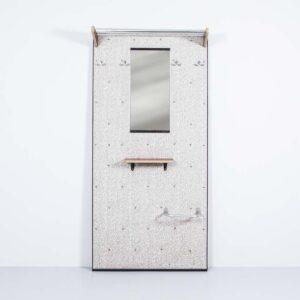 50er Jahre Wandgarderobe mit Spiegel Besonderes