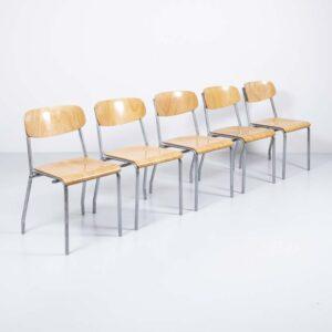 5er-Reihe Stühle von Tubac Yverdon Gastronomie Möbel