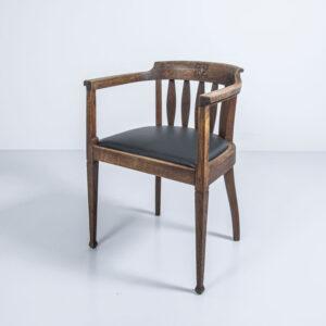 Armlehnstuhl, neu gepolstert und mit Leder bezogen Armlehnstuhl