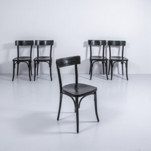 Beizenstuhl schwarz lackiert Gastronomie Möbel