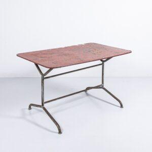 50er Jahre Gartentisch rot, unrestauriert Gartenmöbel